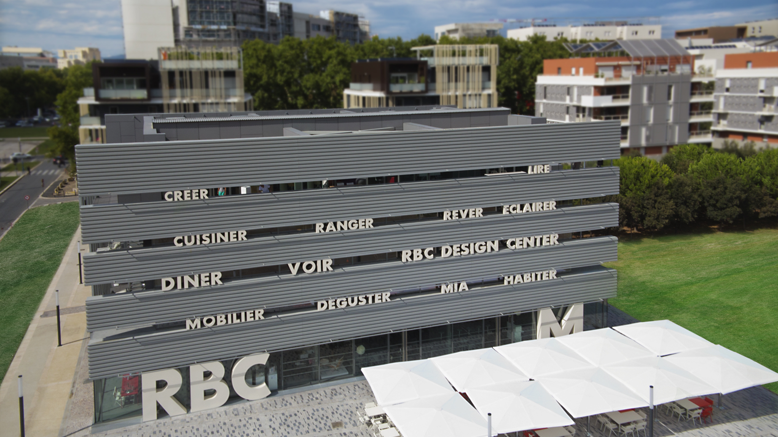 photo aérienne, photographie publicitaire par drone de l'enseigne RBC Montpellier