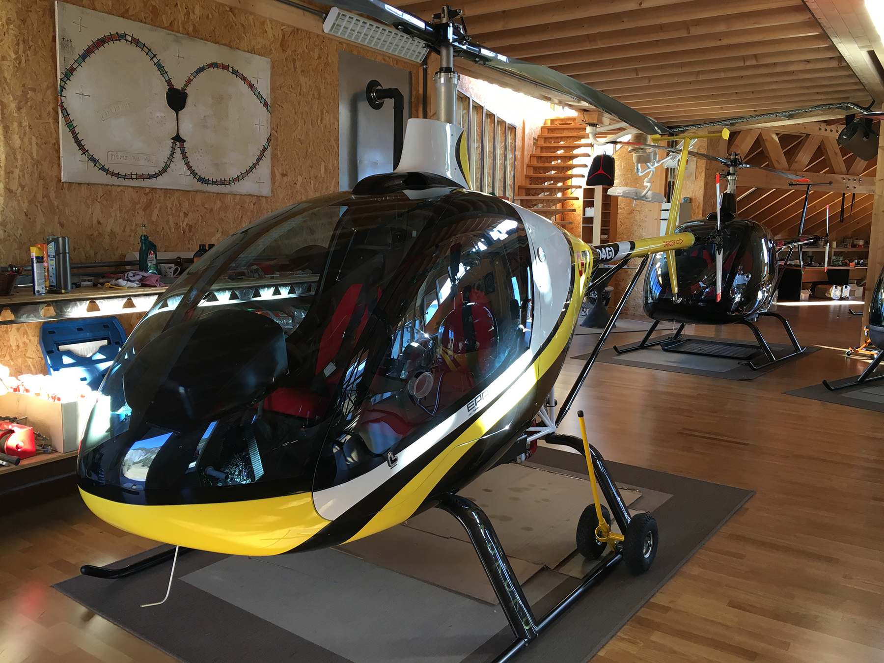 Hélicoptère pour la prise de vue aérienne