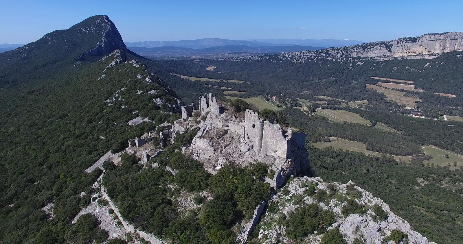 Vidéo aérienne du château de Montferrant