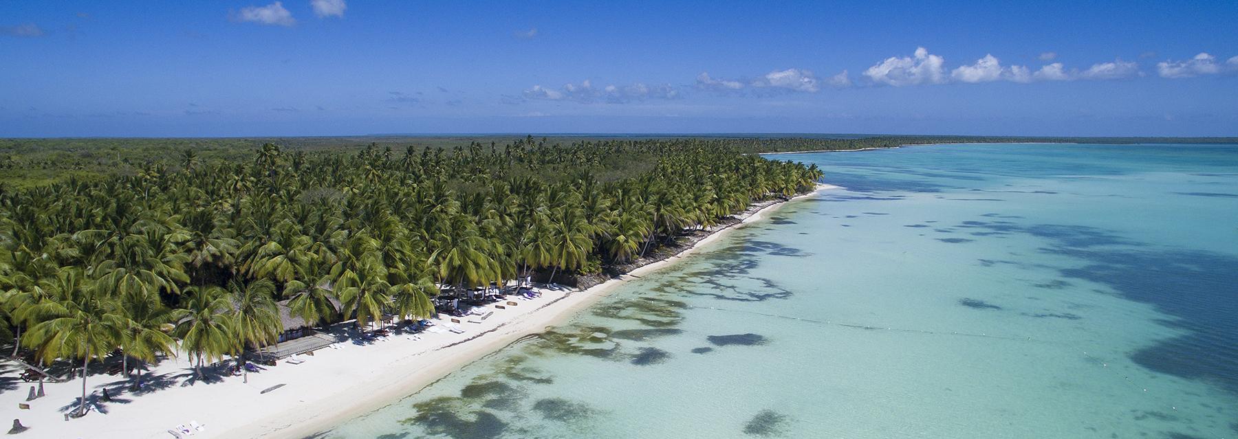 Image aérienne par drone de la plage de Punta Cana